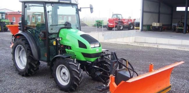 tractor stoenesti
